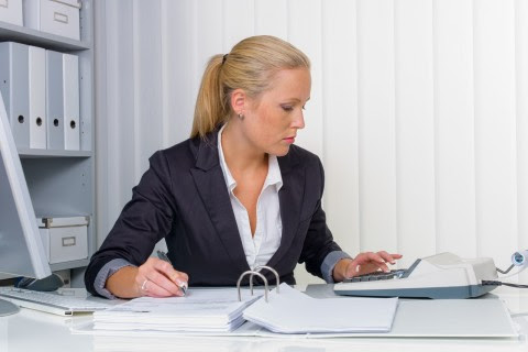 How a Bookkeeper Can Help Your Business Avoid Serious Legal Troubles