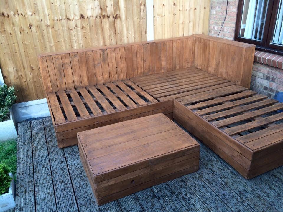 DIY Pallet Corner Sofa   Pallet Ideas