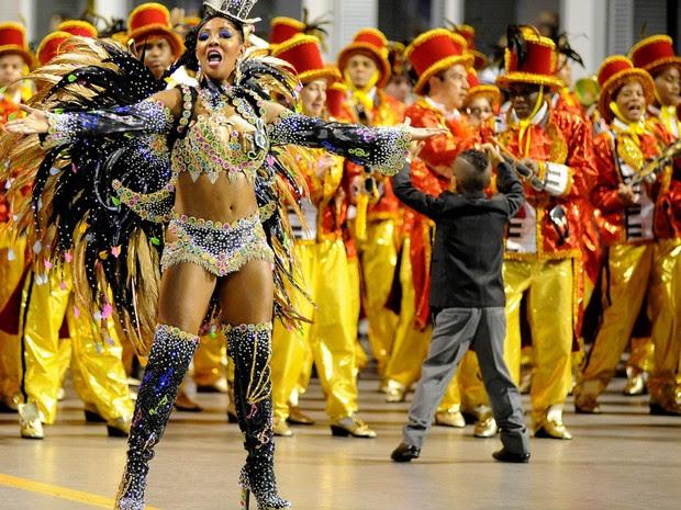 Tom Maior abriu o Desfile das Campeãs do carnaval de São Paulo (Foto: Alan Morici/Framephoto/Estadão Conteúdo)