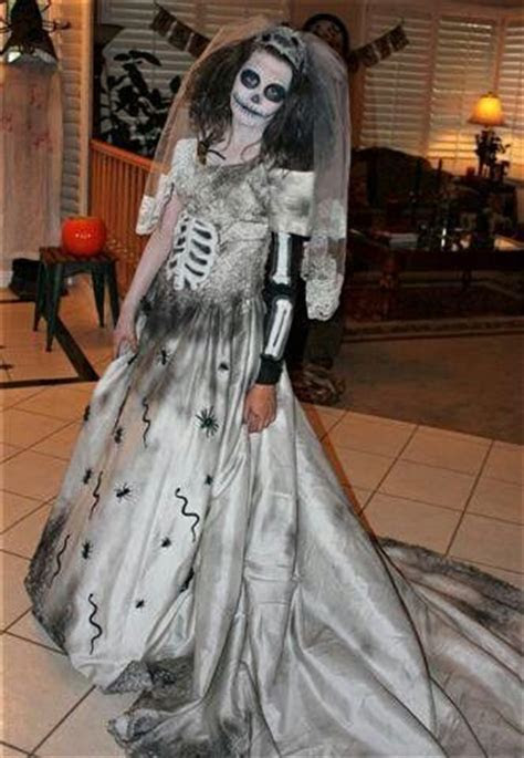 Day of the dead Bride: I made this dress out if an old