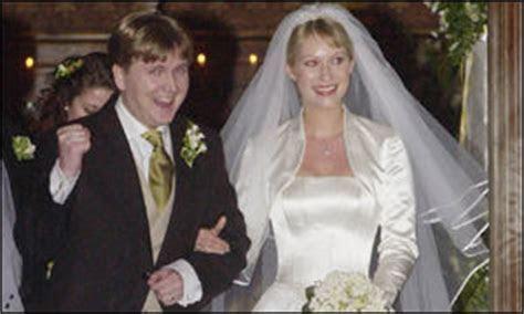 BBC News   WALES   Aled 'walks on air' after wedding