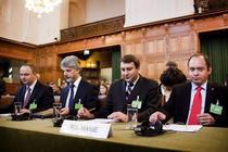 Echipa Romaniei la Haga in procesul Kosovo