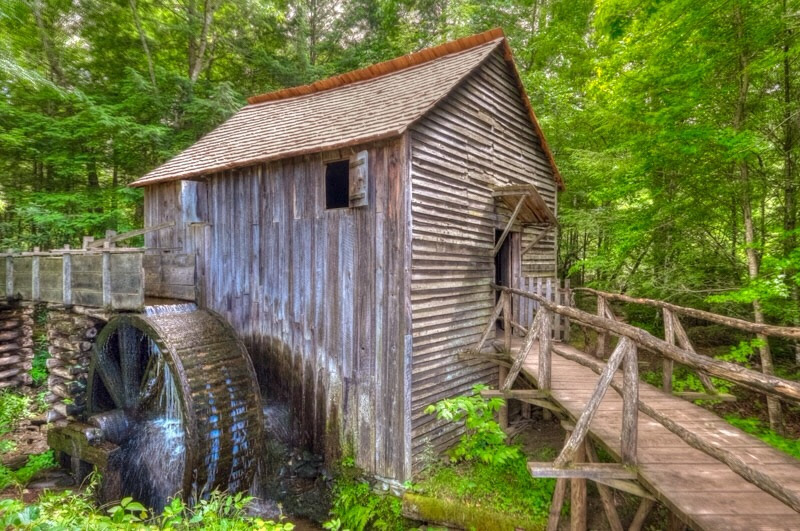 John Cable Grist Mill built in the early 1870s, Cades Cove, Great Smoky Mountains.