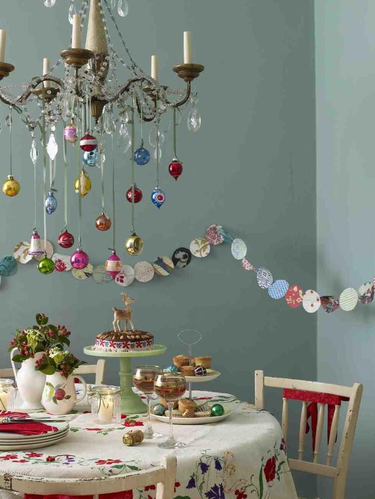 37 Stunning Christmas Dining Room Décor Ideas   DigsDigs