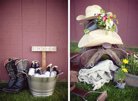 A Southern Wedding Welcome Table   Once Wed