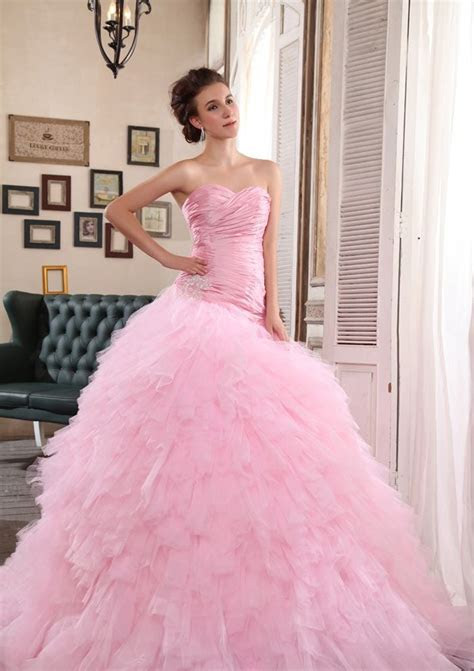 Pink Wedding Gowns After Jessica Biel, it is the turn of