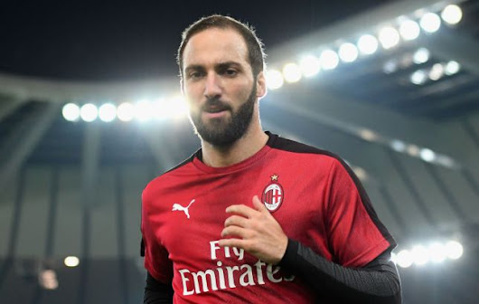 Transfer: Higuain's agent arrives London to seal Chelsea deal