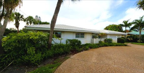 Canal Front Home for Sale on Siesta Key