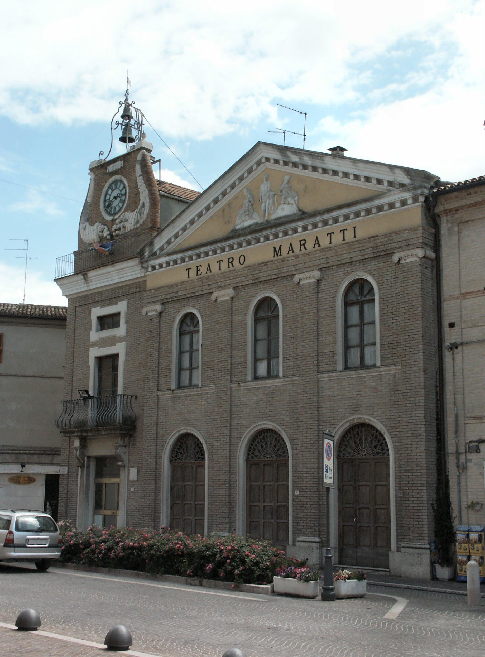 il teatro Maratti di Camerano da Wikipedia