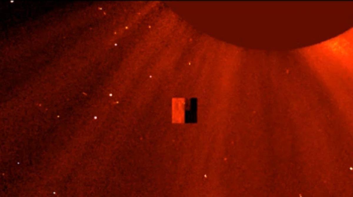 ufo-ufos-sun-nasa-soho-cube-square-3