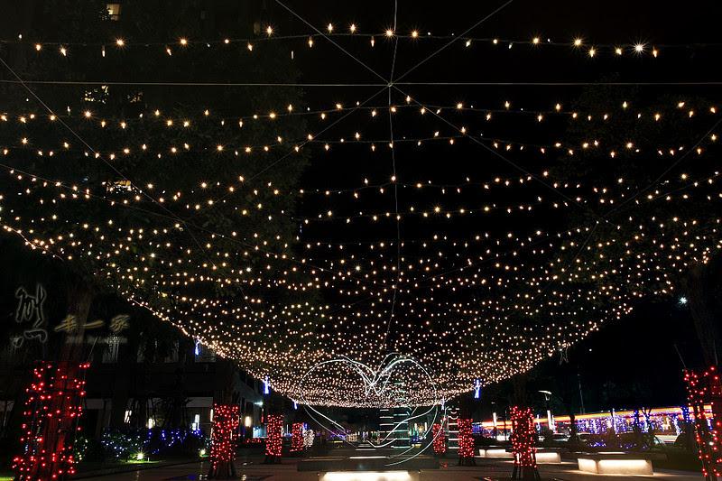 北大特區學勤路藝術大道耶誕燈海|三峽遠雄藝術大道
