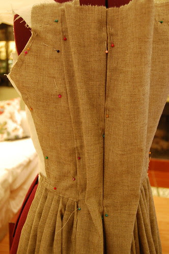Making a robe a l'anglaise 13