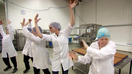 The bakers who boogie - BBC News