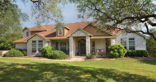 Spacious home with many unique features in Dripping Springs!