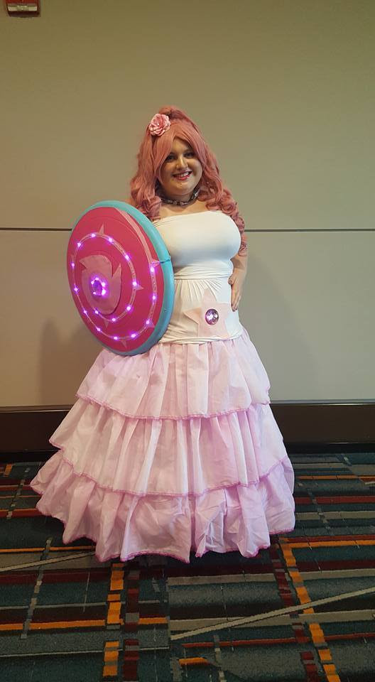 Had such a grea time as Rose Quartz this weekend! Loved all of the other Steven Universe cosplays!