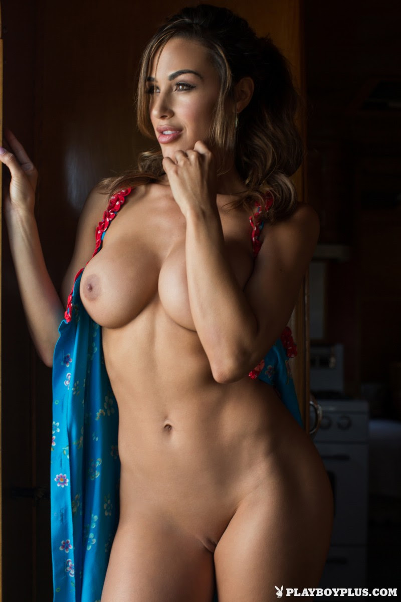 ana-cheri-mobile-home-trailer-nude-playboy-08