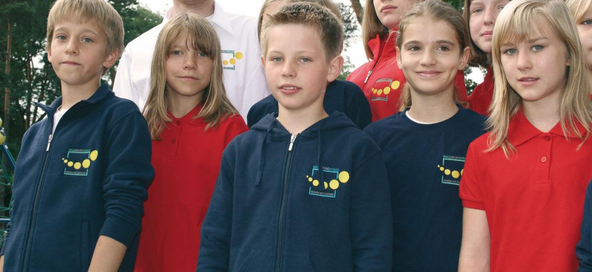 Como são os uniformes escolares em alguns países ao redor do mundo 29