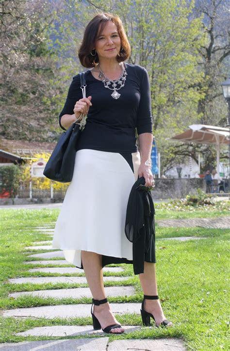 zara midi skirt  boho statement necklace stylish