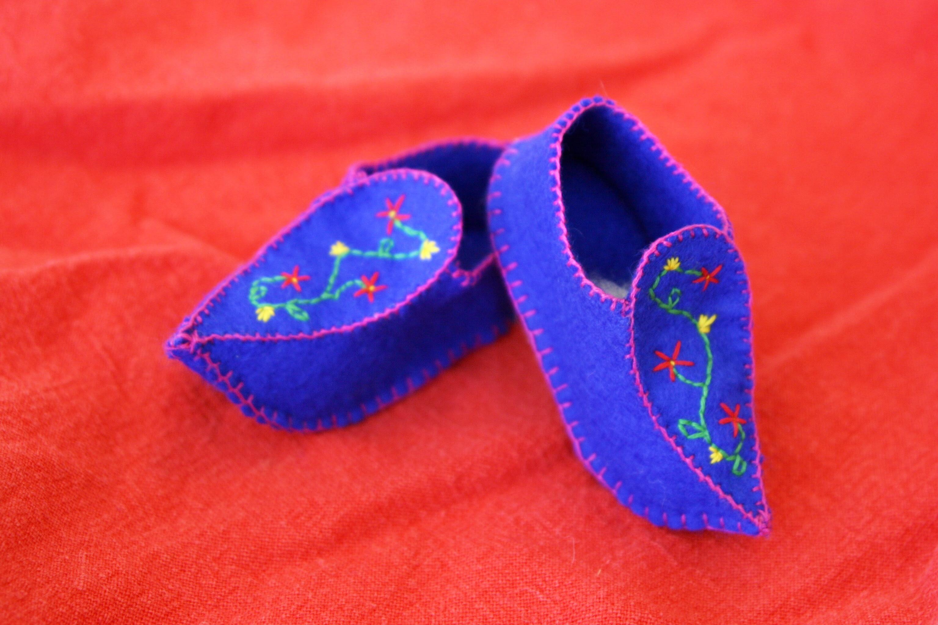 Blue Elf Clogs