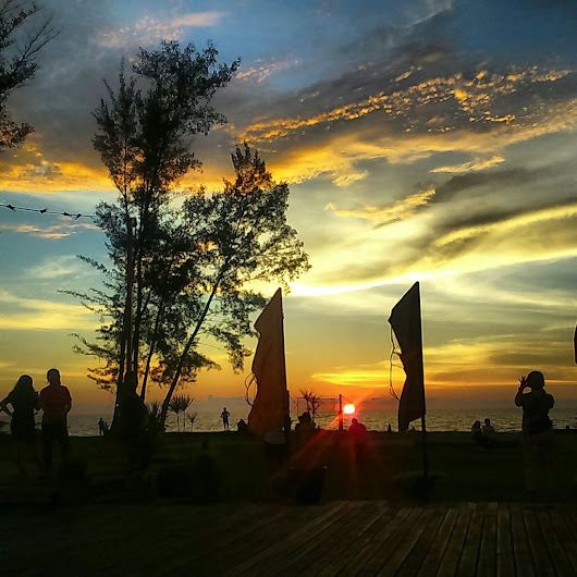 Sarawak's Sunsets as captured by Dayak Wanderer