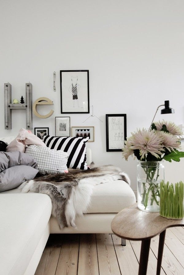 layers | black and white | Living room.......