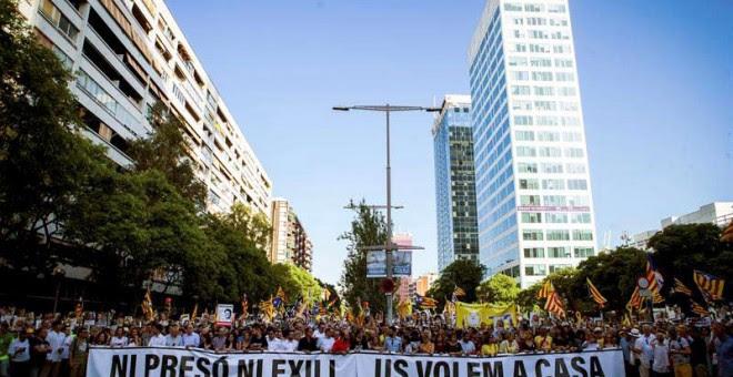Aspecto de la cabecera de la manifestación celebrada en Barcelona. (ENRIC FONTCUBERTA | EFE)