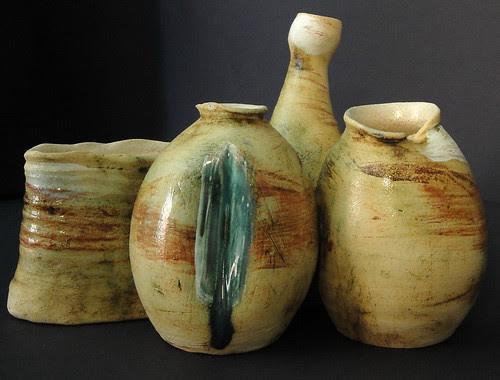Pequenos Vasos Unidos by Malu Serra