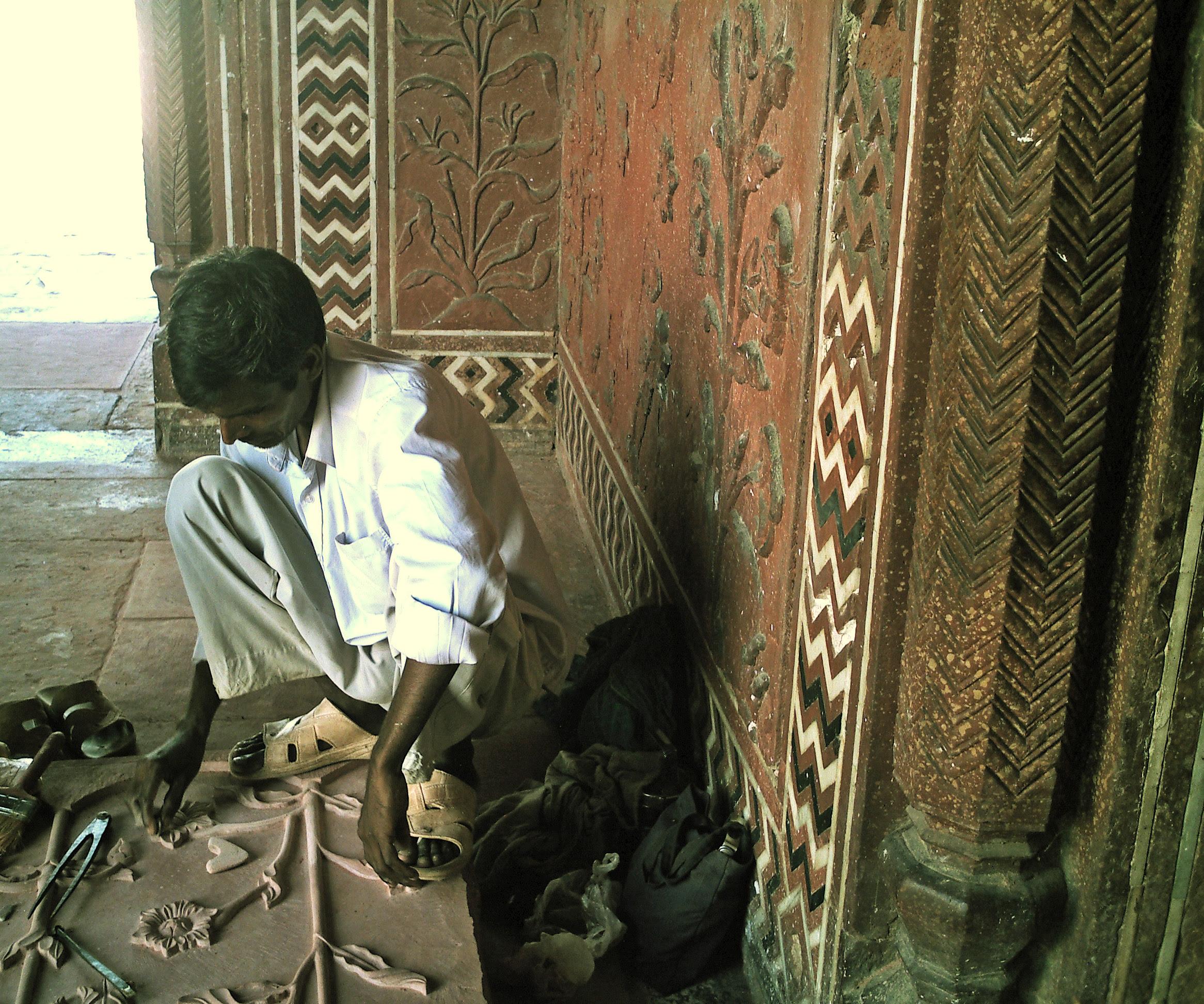 artisans at work in Agra