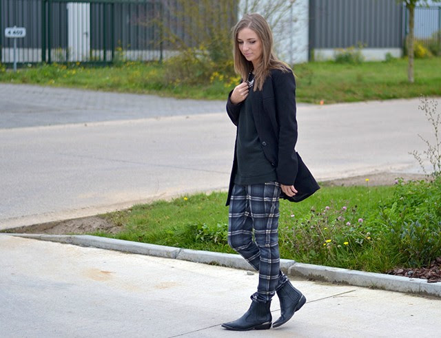 mango collection fall 2013 13 2014 winter 14 check plaid tartan grey trousers h&m coat blazer h&m divided biker western boots outfit post of the day fashion blogger turn it inside out belgium