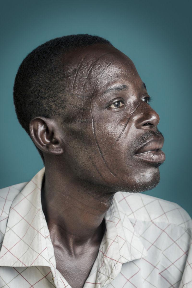 Esta é a última geração de escarificados na África 09