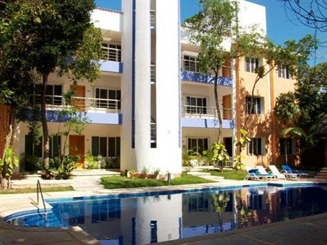 Condo for Sale in Playacar Phase 2, Playacar, Quintana Roo $149,900