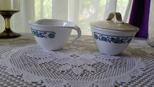 Corelle Old Town Blue Onion Sugar and Creamer with Lid  Retro