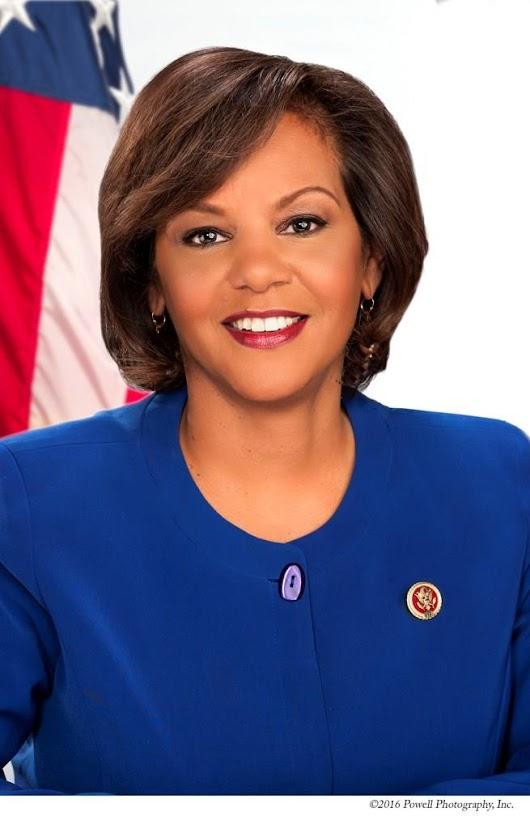 DyNAMC Diversity Unfiltered - DyNAMC Leaders for a Changing World Magazines' premier podcast talks with Rep. Robin Kelly who is Making a difference through Information Technology.