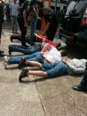 Grupo foi preso no momento da tentativa de roubo (Foto: Divulgação / GCM de Cerquilho)