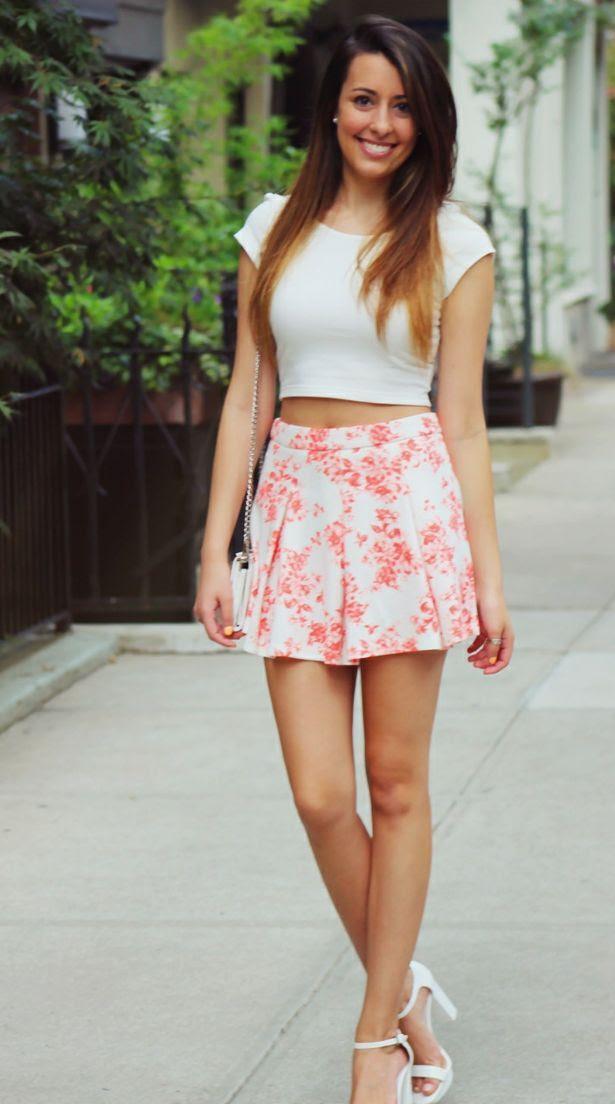 35 stunning women's crop tops outfit ideas