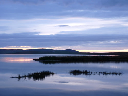 The Loch Of Stenness In The Gloaming by orquil