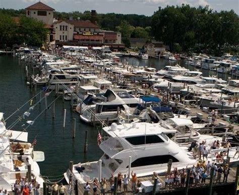 Detroit Yacht Club   Home   Facebook