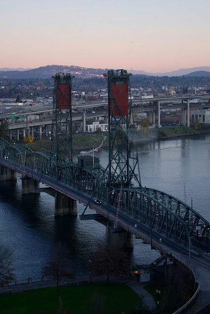 december sunset, hawthorne bridge