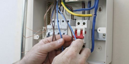 How to Hire a Professional Electrician in Paddock Wood