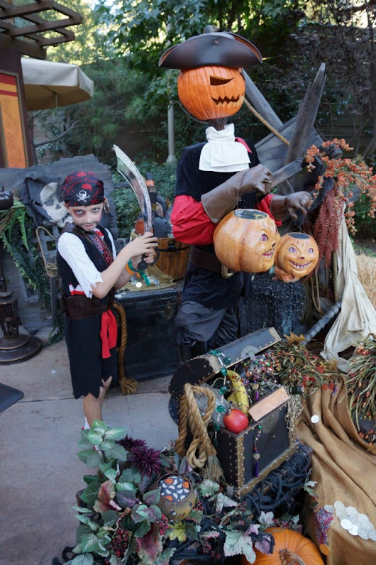 Ultimate Pirate Transformation with The Pirates League at Disneyland | OC Mom Blog