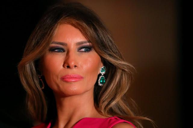 Melania Trumpexige 150 millions de dollars de dommages... (Photo Carlos Barria, Archives REUTERS)