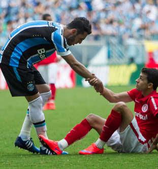 Com 10, Grêmio segura o Inter no Gaúchão: 0 a 0