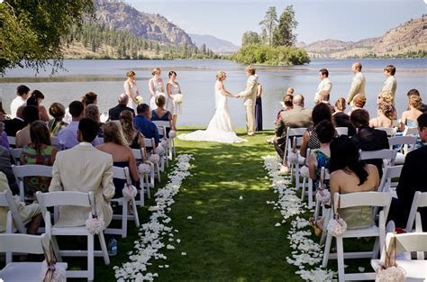 Julia & Dale ? luxury vineyard wedding at Vaseux Lake and