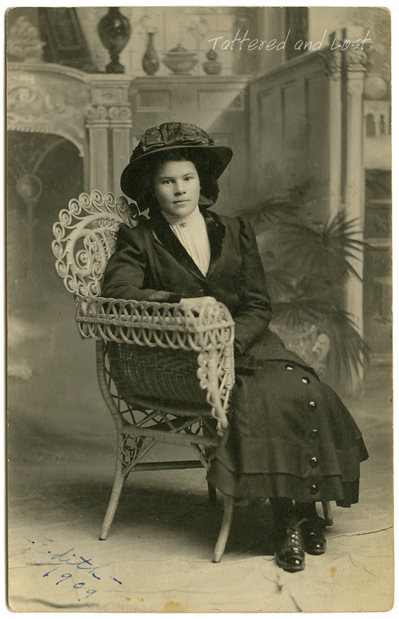 Edith 1901_tatteredandlost