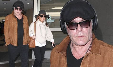 Ray Liotta jets back into Los Angeles with his girlfriend