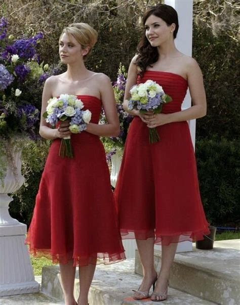 Peyton and Brooke as Haley's bridesmaids!   One Tree Hill