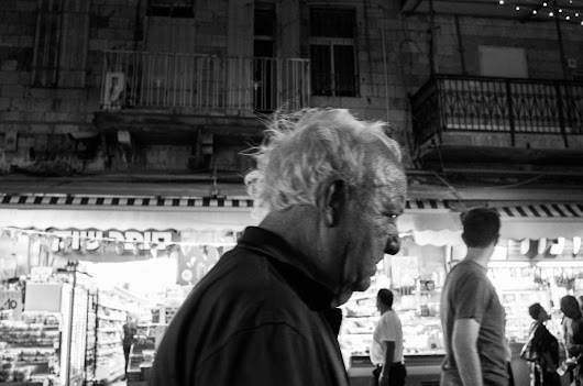 Mahane Yehuda Jerusalem market – night walk with Ricoh GRii