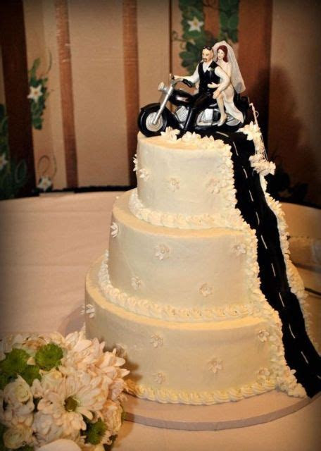 1000  ideas about Motorcycle Birthday Cakes on Pinterest