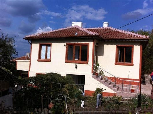 For sale a furnished two-storey house in Malko Tarnovo