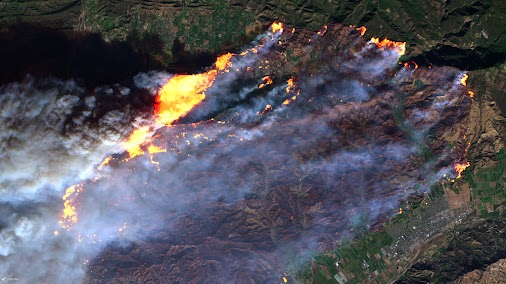Quickie: California Wildfires  In this image, taken by the European Sentinel-2B satellite (https://goo.gl...